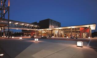 H-D Museum Exterior - Plaza