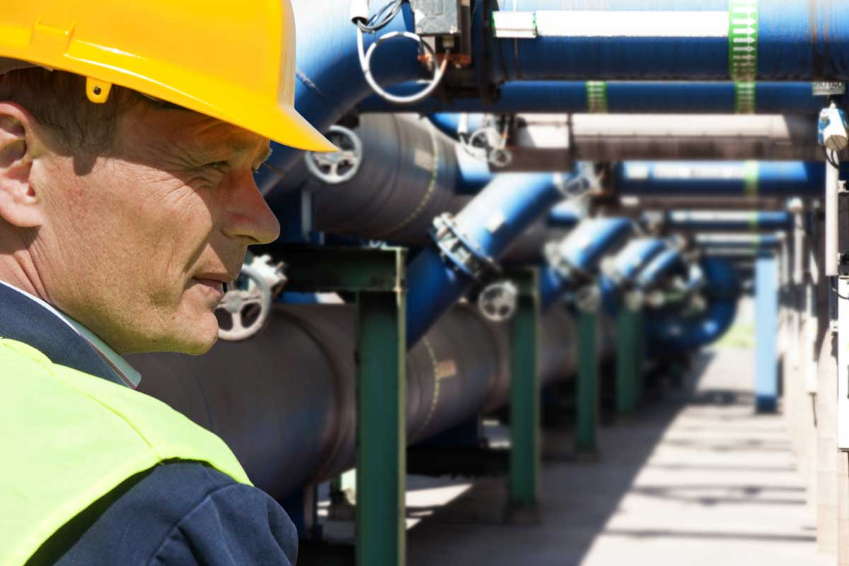 reviewing_pipeline_equipment
