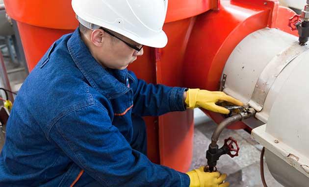 testing_oil_pipeline